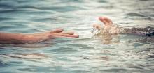 Купайся, кто может! Как вести себя на воде и как помочь тонущему