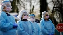 Президент Узбекистана посмертно наградил врачей, погибших в борьбе с коронавирусом