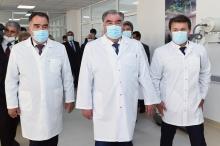 В Худжанде президент открыл новое здание кардиоцентра, а в  Бободжон Гафурове посетил дом-музей Нозимджона Усмонова
