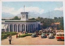 Чудом сохранившийся. Каким он был, первый набор цветных фотооткрыток о Душанбе