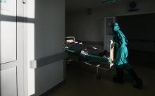 В России зафиксировали рекордное количество смертей от COVID-19 за сутки