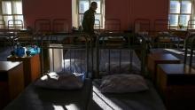 Болен или издевались? Родители солдата в Таджикистане говорят, что их сыну в рот залили кипяток