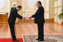 Члены правительства Таджикистана принесли присягу на верность президенту