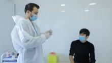 Шавкат Мирзиёев поручил ускорить вакцинацию от коронавируса в Узбекистане
