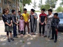 Как таджикские дети не оставили своих кыргызских товарищей в беде