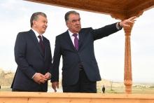 Эмомали Рахмон показал Шавкату Мирзиёеву «Таджикское море» и проводил домой