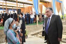 Президент  посетил районы Джами и Вахш Хатлонской области, пострадавшие в мае от стихии
