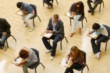 Какие международные экзамены сдавать для поступления в зарубежный вуз, где и сколько это стоит?