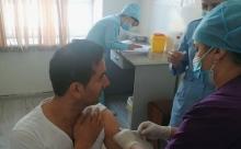 В Таджикистане вакцинированы против COVID-19 2,1 млн человек