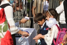В Таджикистане хотят вакцинировать детей от COVID-19